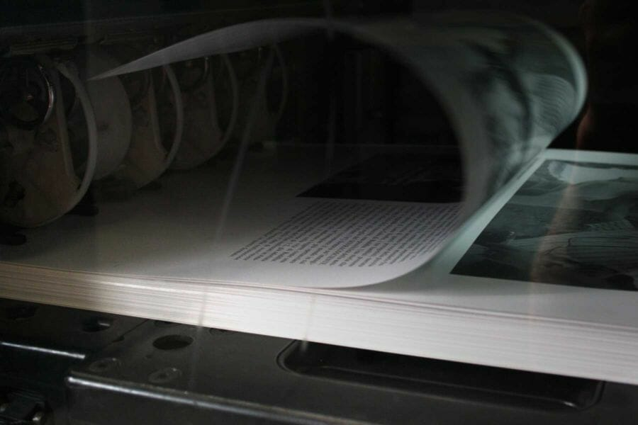 A technique used for printing black and white books, which allows us to print both sides of the paper in one step. This technique is particularly helpful for publishing houses and for printing black and white books.